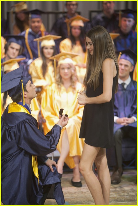 daren kagasoff shailene woodley secret engagement 13