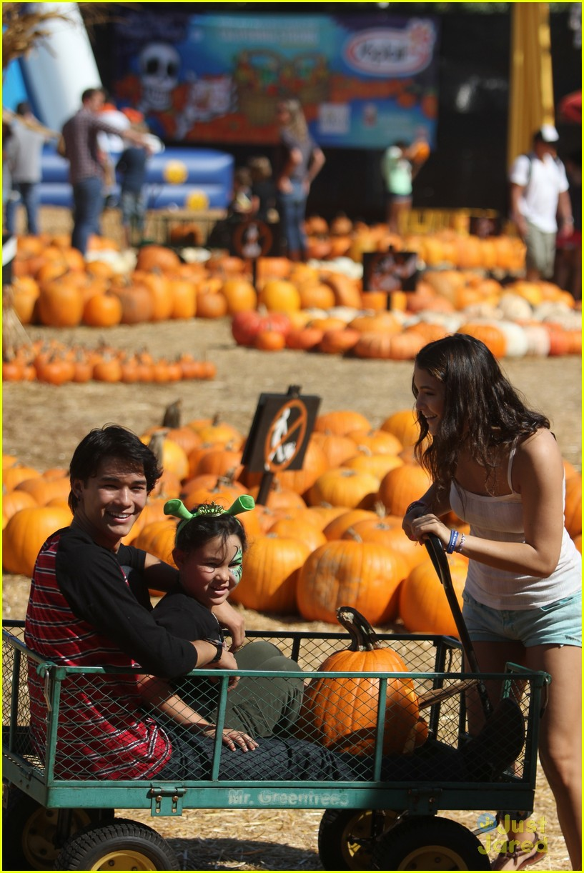 booboo stewart pumpkin patch 01
