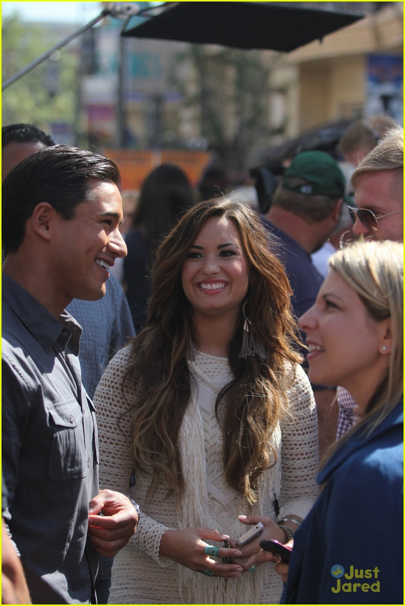 demi lovato grove extra 03
