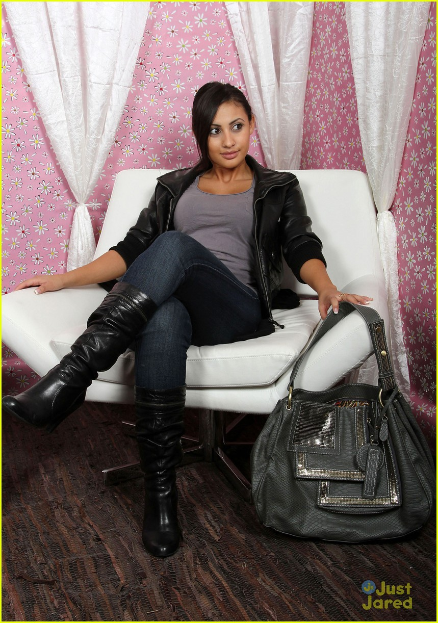 francia raisa gifting services 22