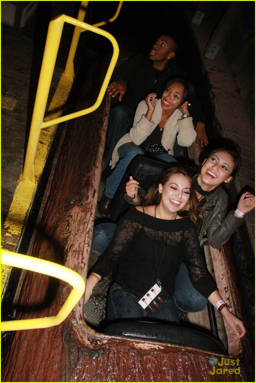 francia raisa knotts berry farm 03