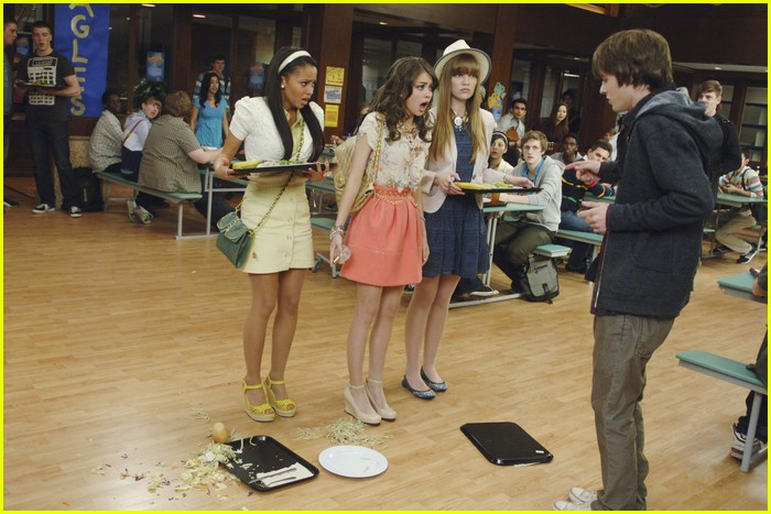 geek charming first look 08