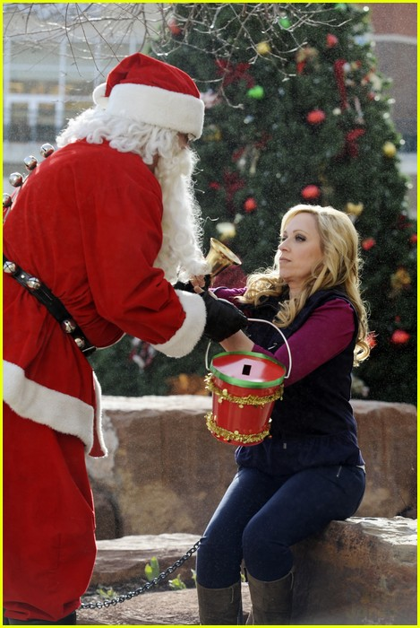 good luck charlie christmas 02