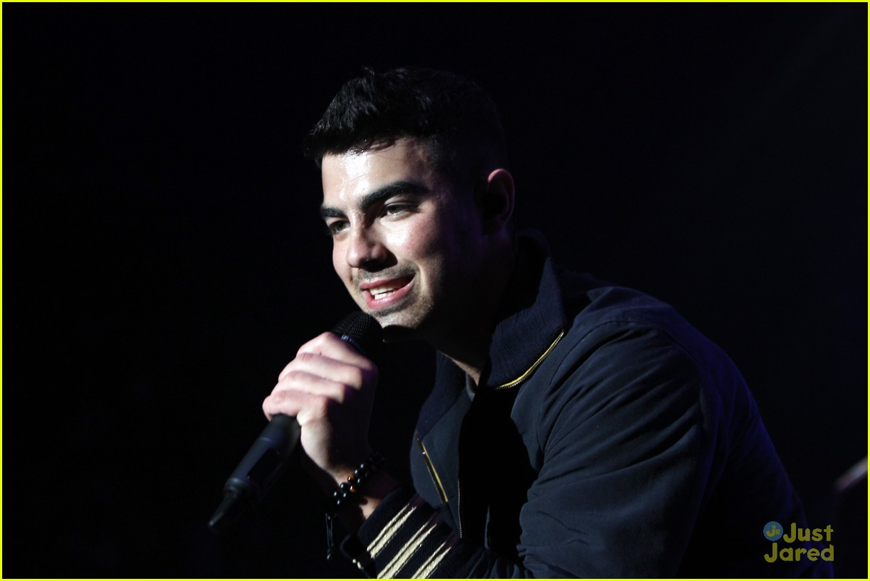 joe jonas bbc teen awards 01