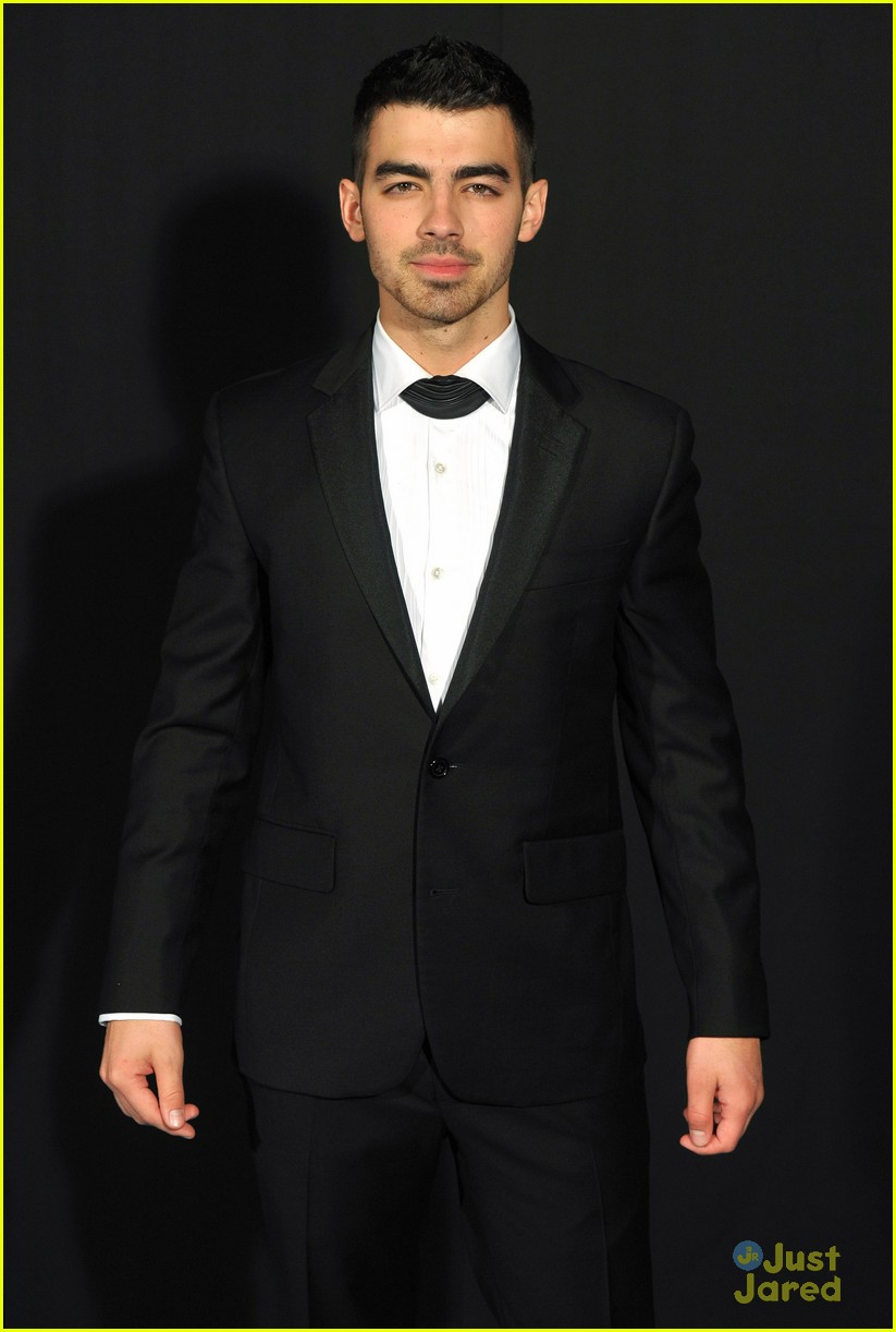 joe jonas grey goose ball 03