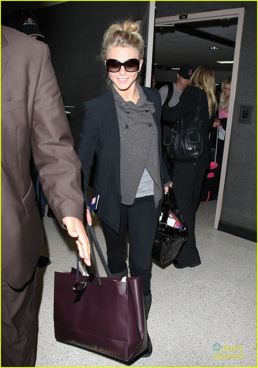 julianne hough london lax 03