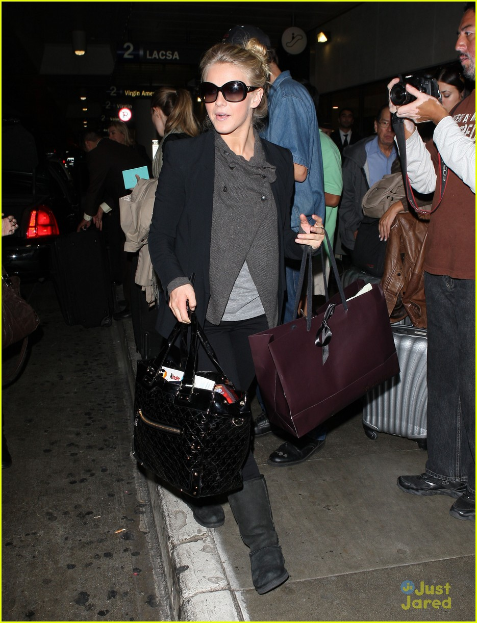 julianne hough london lax 05