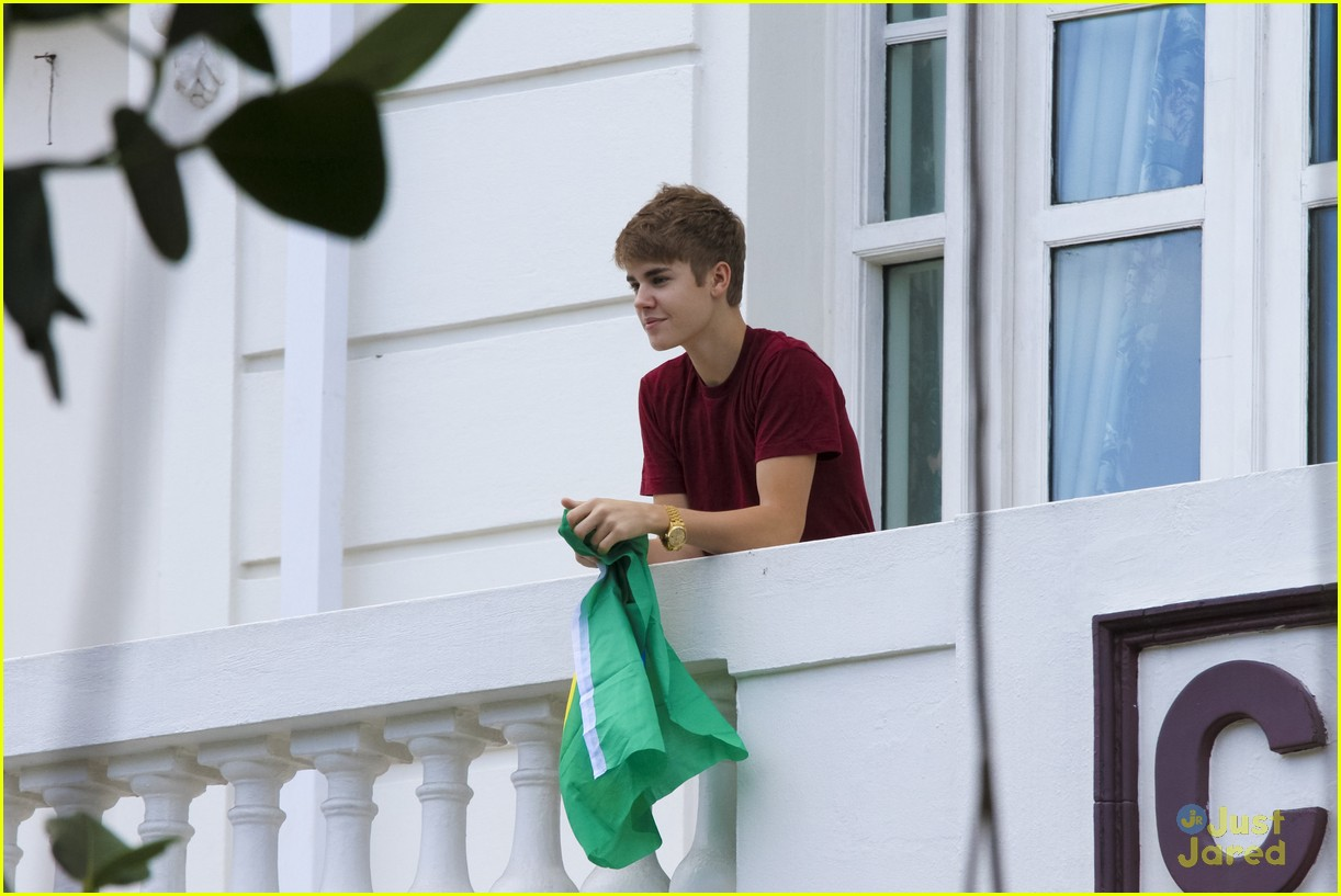 justin bieber mistletoe mariah 18