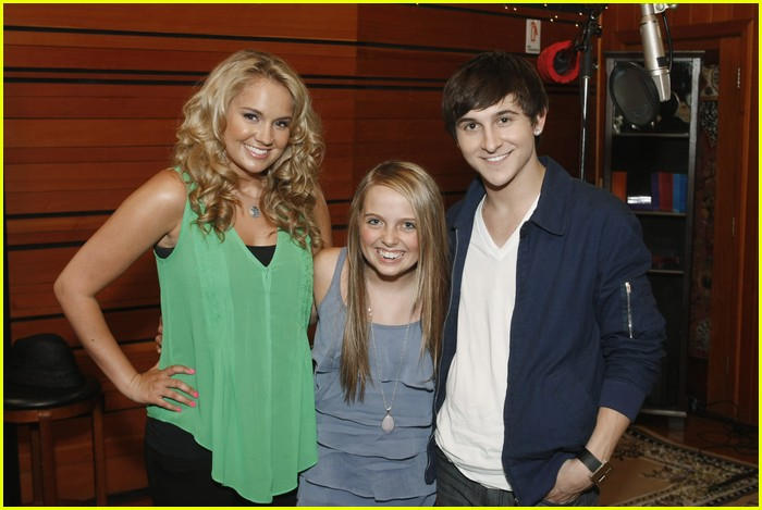 tiffany thornton leo howard prankstars 02