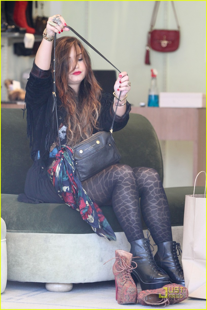 demi lovato shoe shopping 06