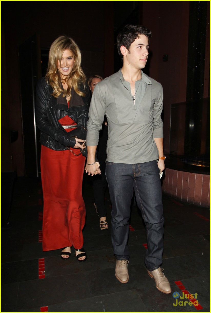 nick jonas delta goodrem dinner date 08