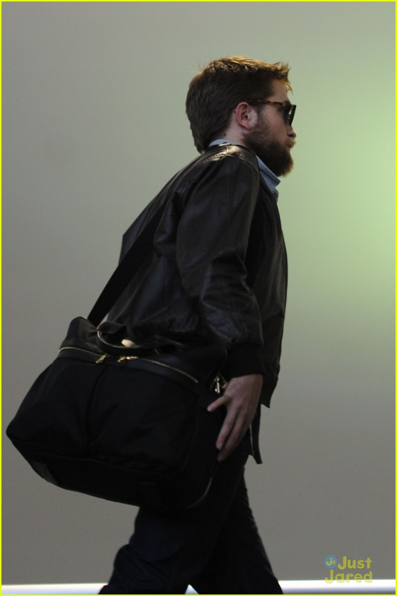 robert pattinson beard lax 02