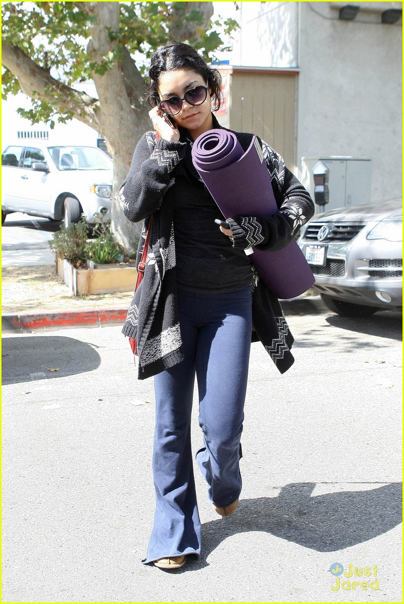 vanessa hudgens yoga tuesday 06