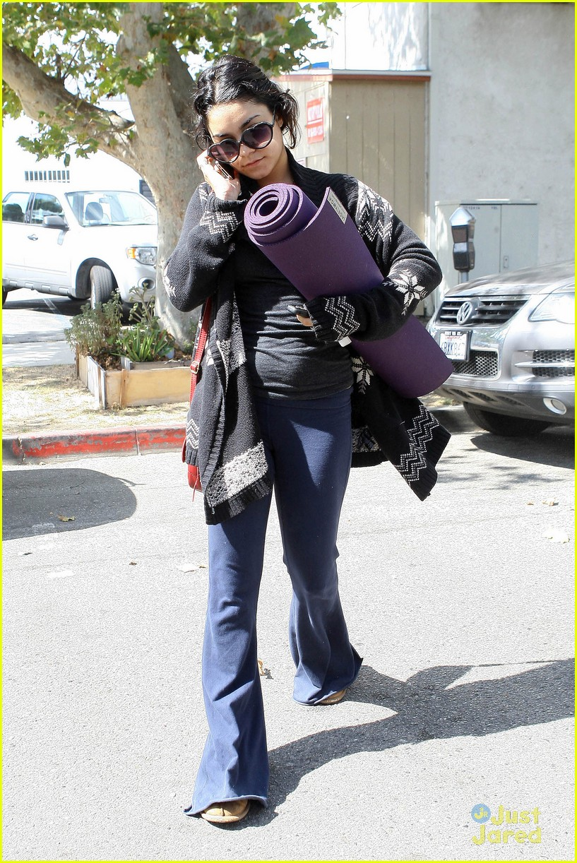 vanessa hudgens yoga tuesday 14