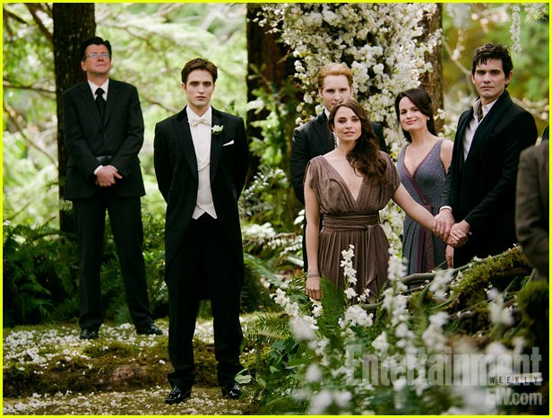 breaking dawn ew cover pics 11
