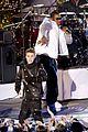 Bieber-tree justin bieber rockfeller tree 27