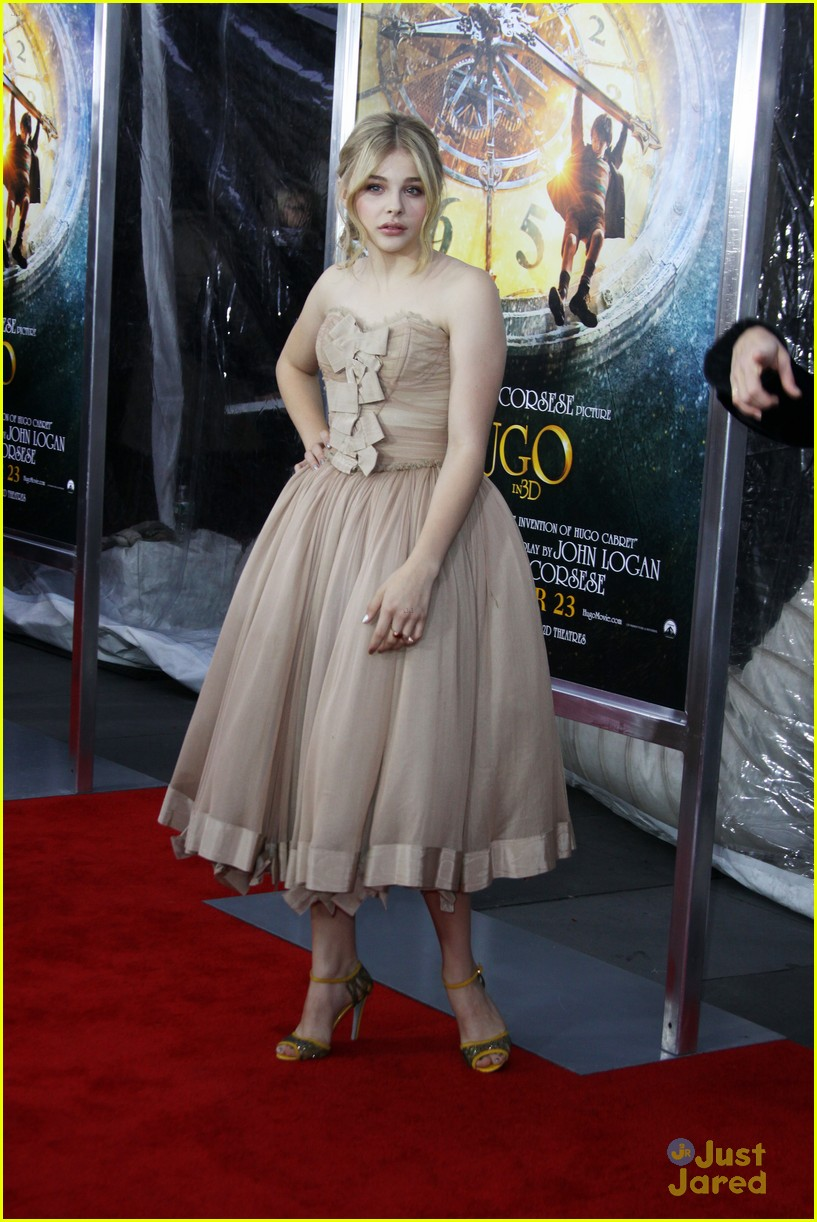 chloe moretz hugo premiere in new york city photo