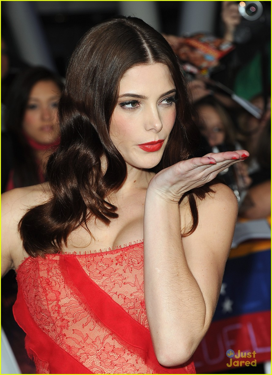 ashley greene bd premiere 05