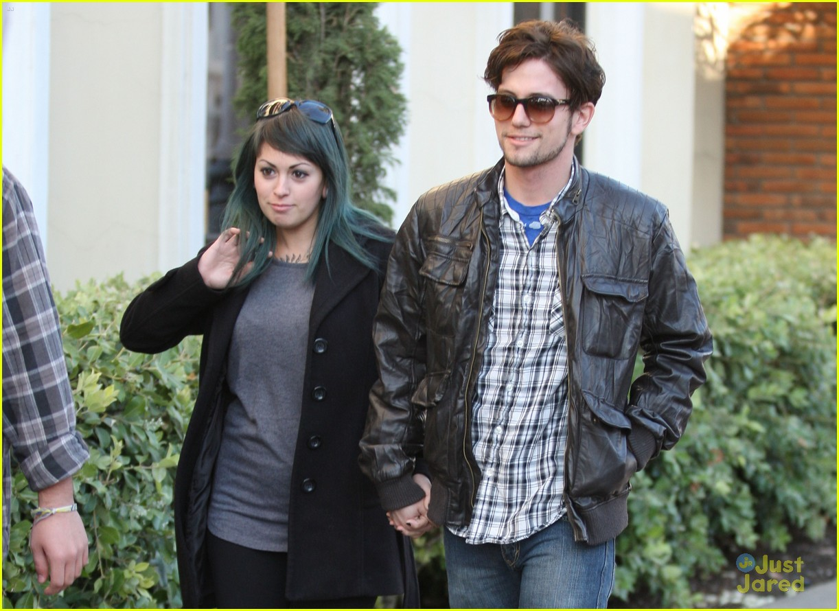 jackson rathbone girlfriend grove 03