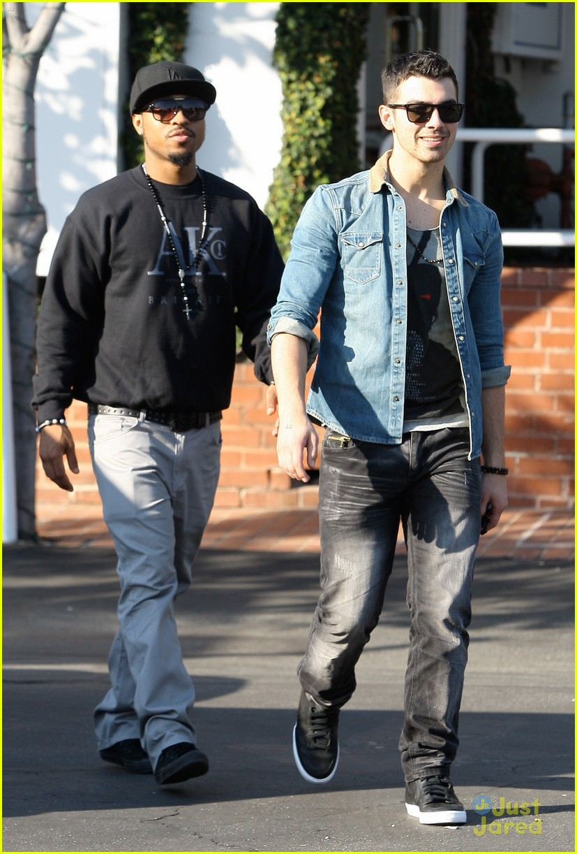 joe jonas fred segal 01