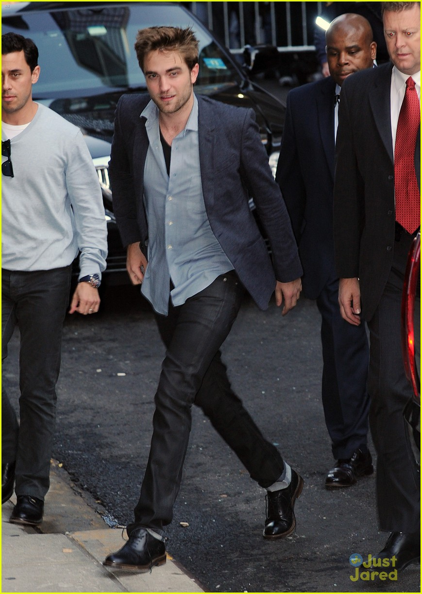 robert pattinson letterman arrival 09