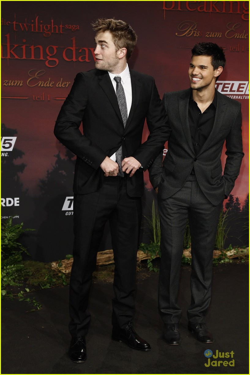 robert pattinson taylor lautner berlin 10