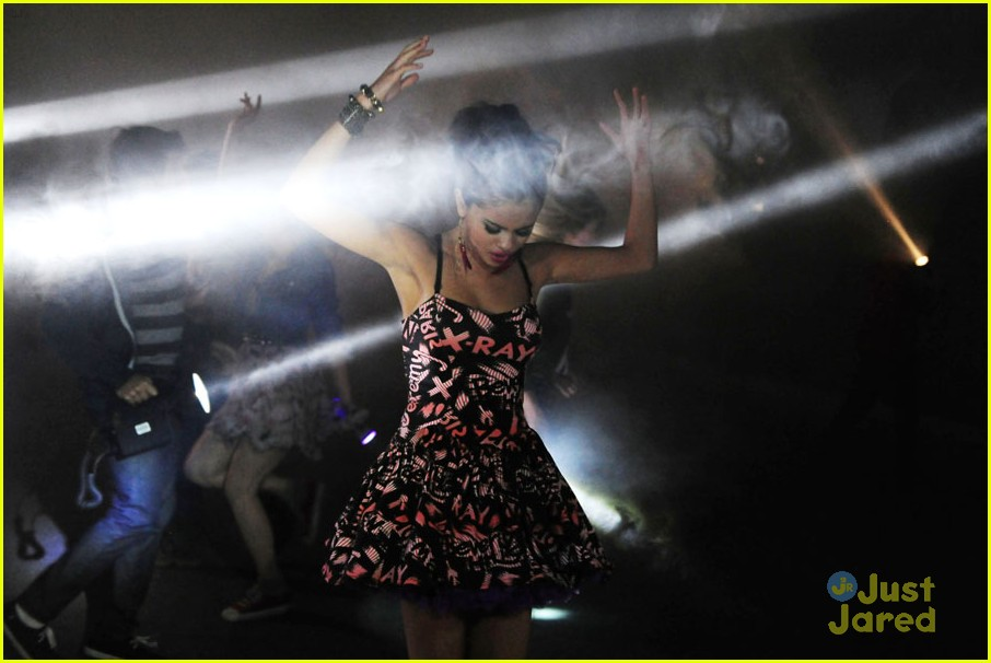 selena gomez lights video shoot 02