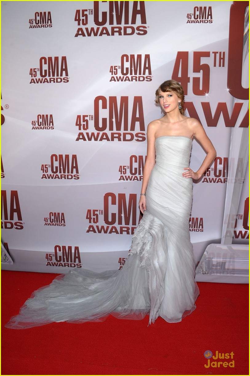 taylor swift cma awards 01