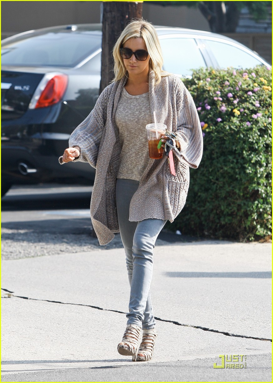 ashley tisdale coffee 07