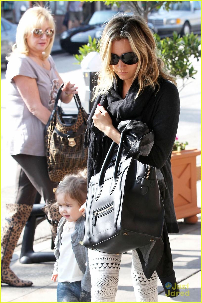 ashley tisdale mikayla lunch 08