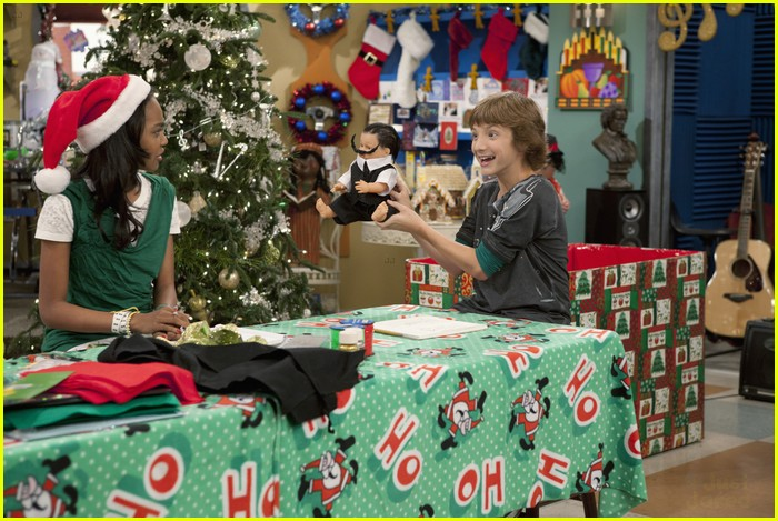 ant farm santa helpers 10