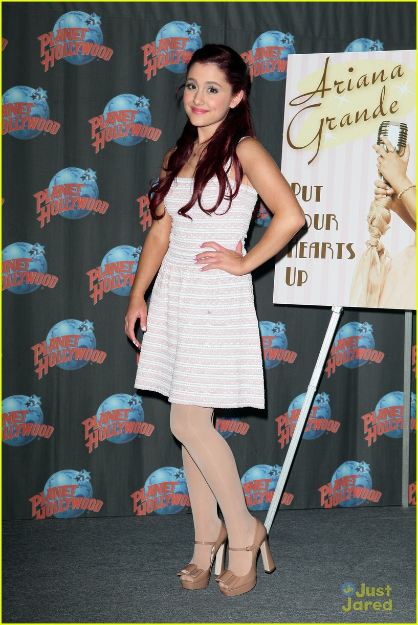 ariana grande hearts planet hollywood 10