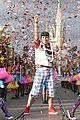 Bella-zendaya-parade bella thorne zendaya disney parade 06