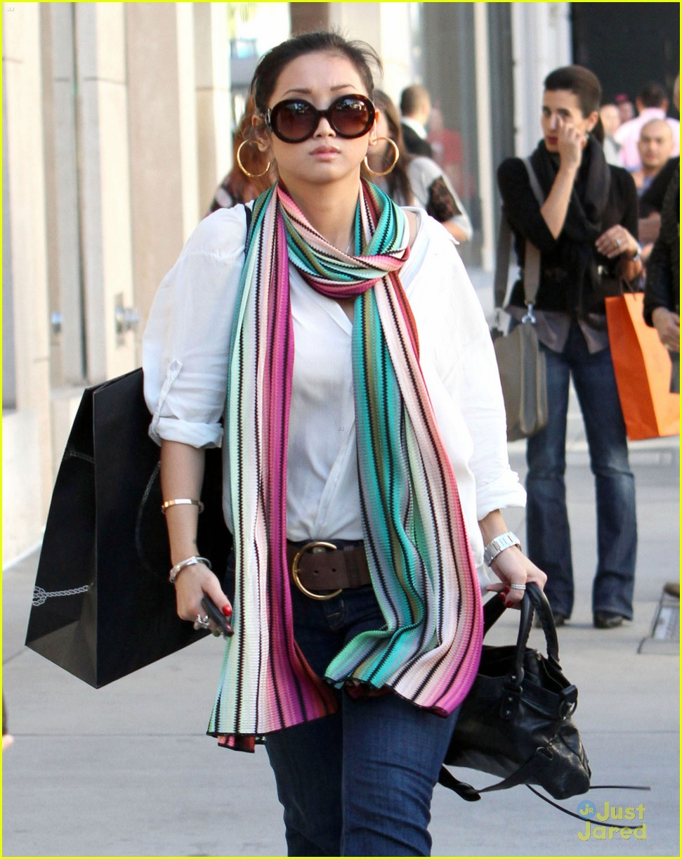 brenda song prada shopper 09
