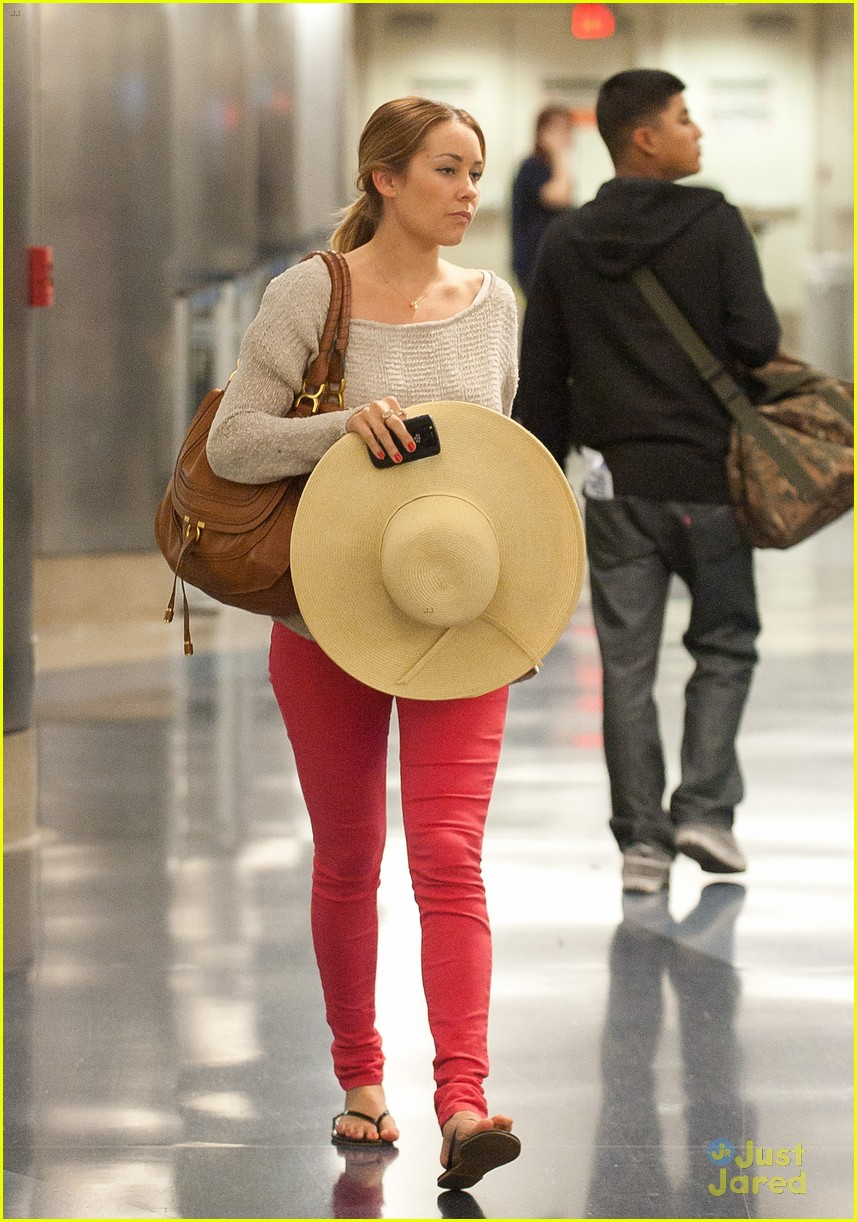 lauren conrad lost luggage lax 02