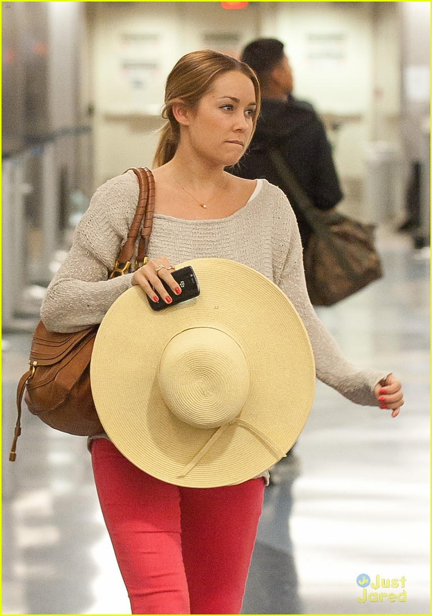 lauren conrad lost luggage lax 03