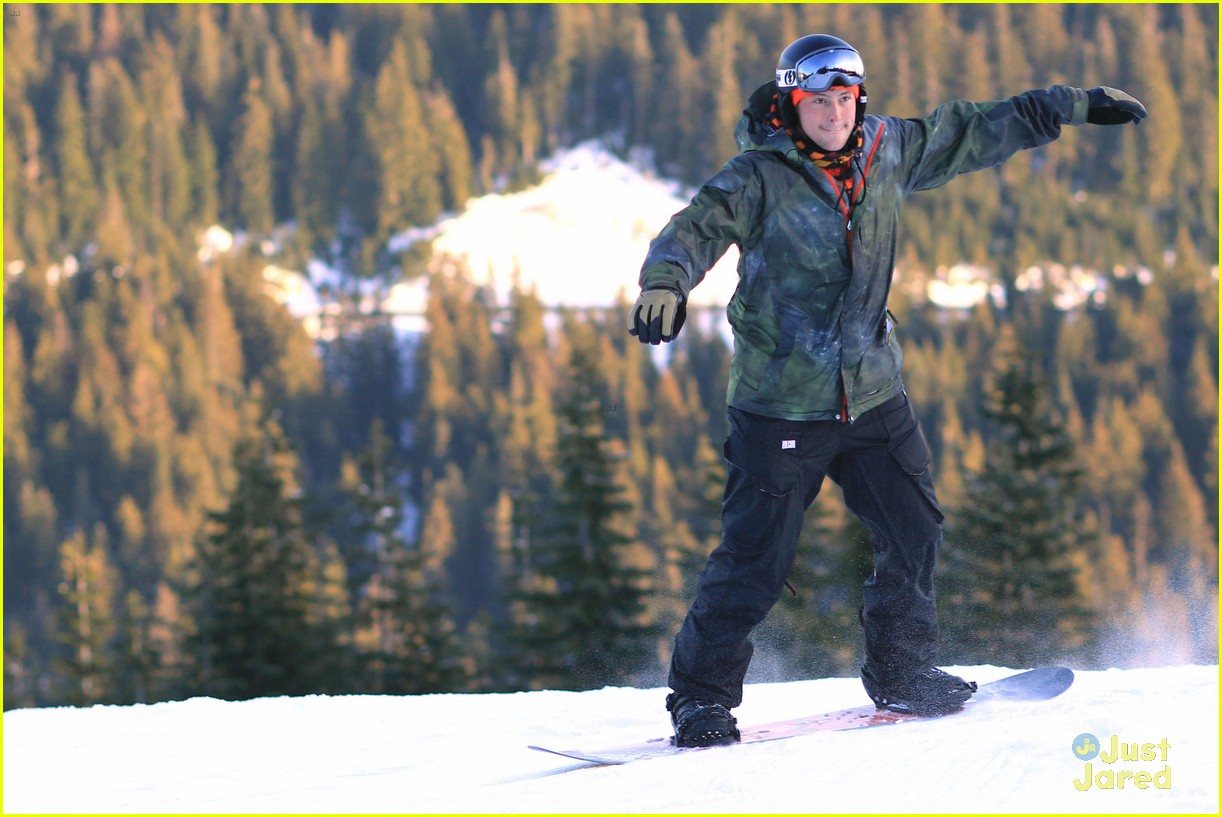 cory monteith snowboarding 02