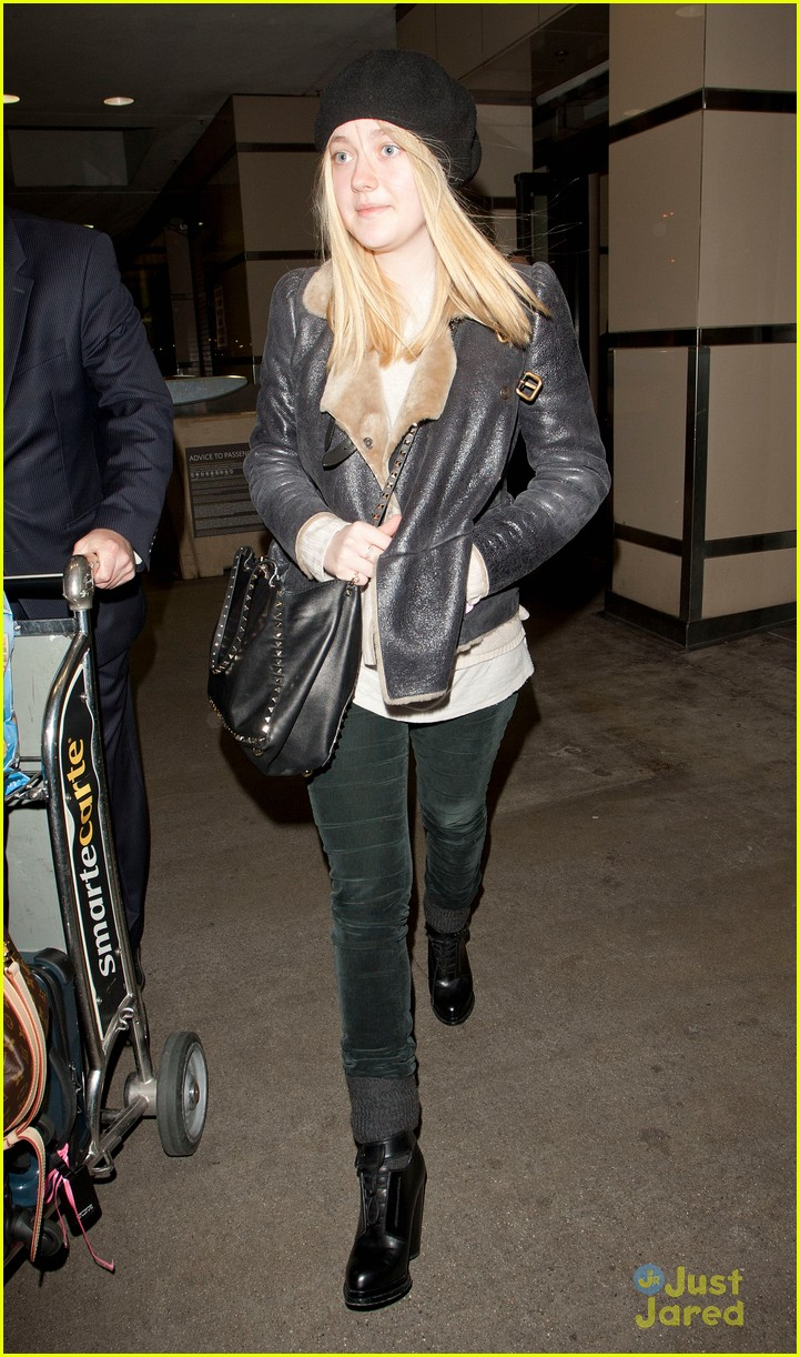 dakota fanning la nyc bound 01