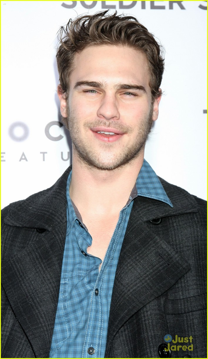 grey damon tinker tailor 03