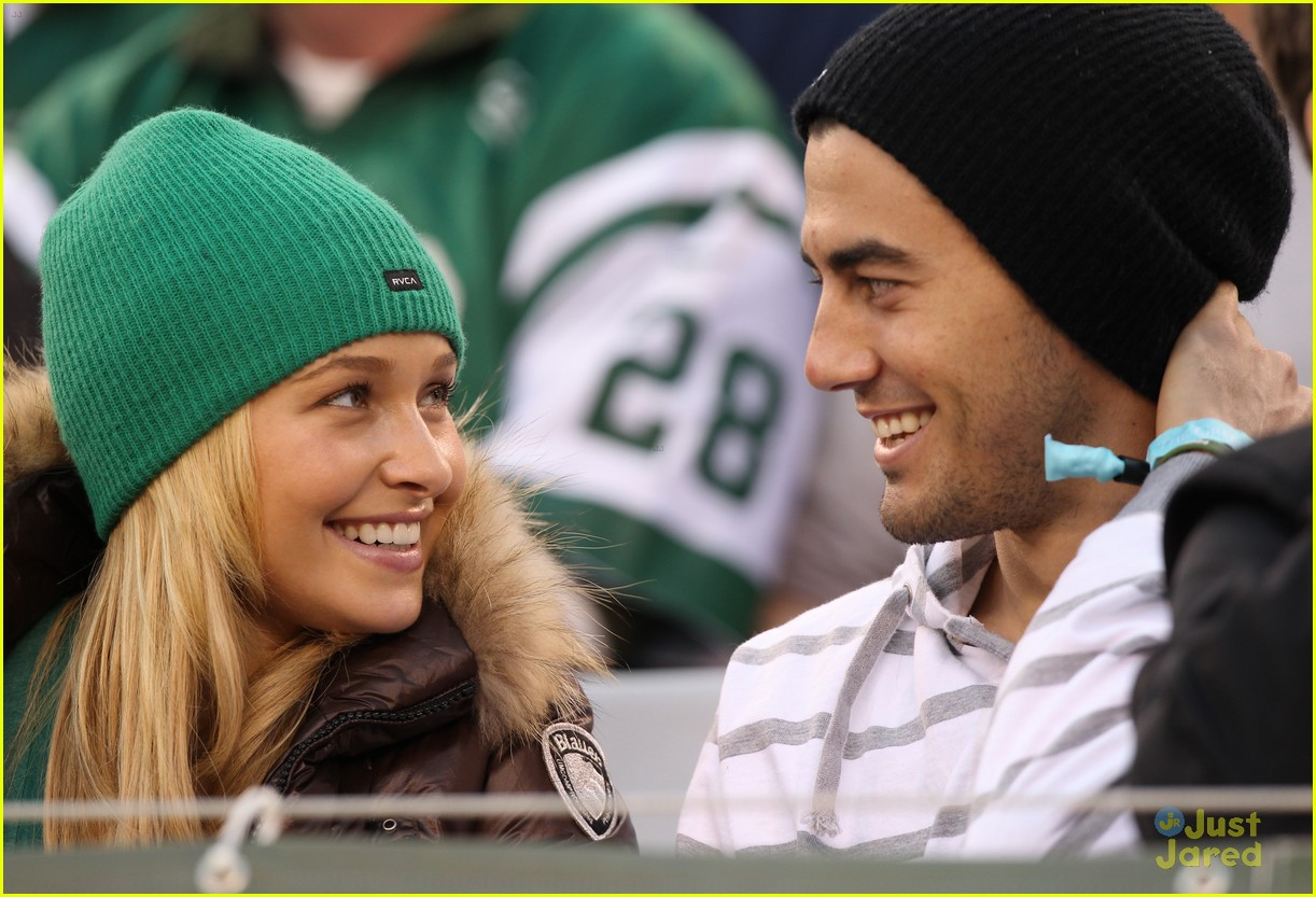 hayden panettiere football game 01