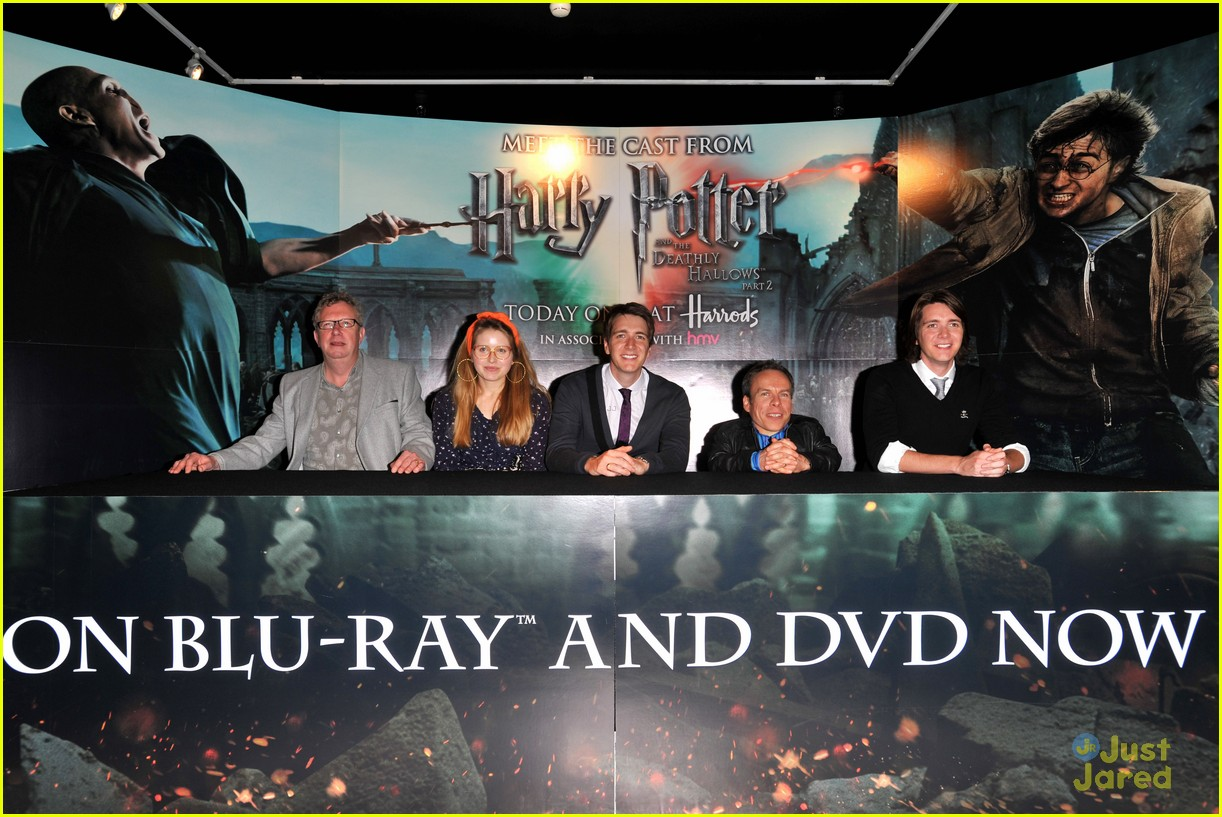 hp cast harrods signing 05