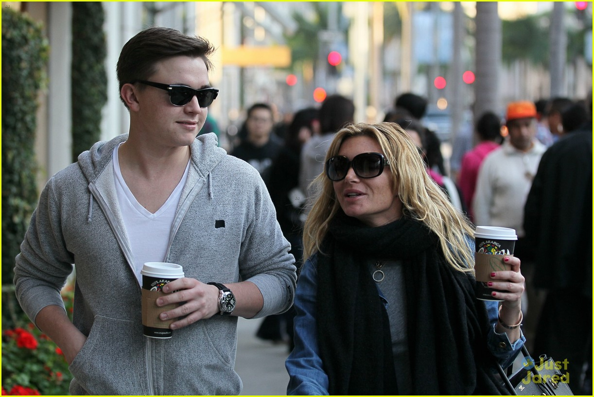 jesse mccartney hermes mom 04