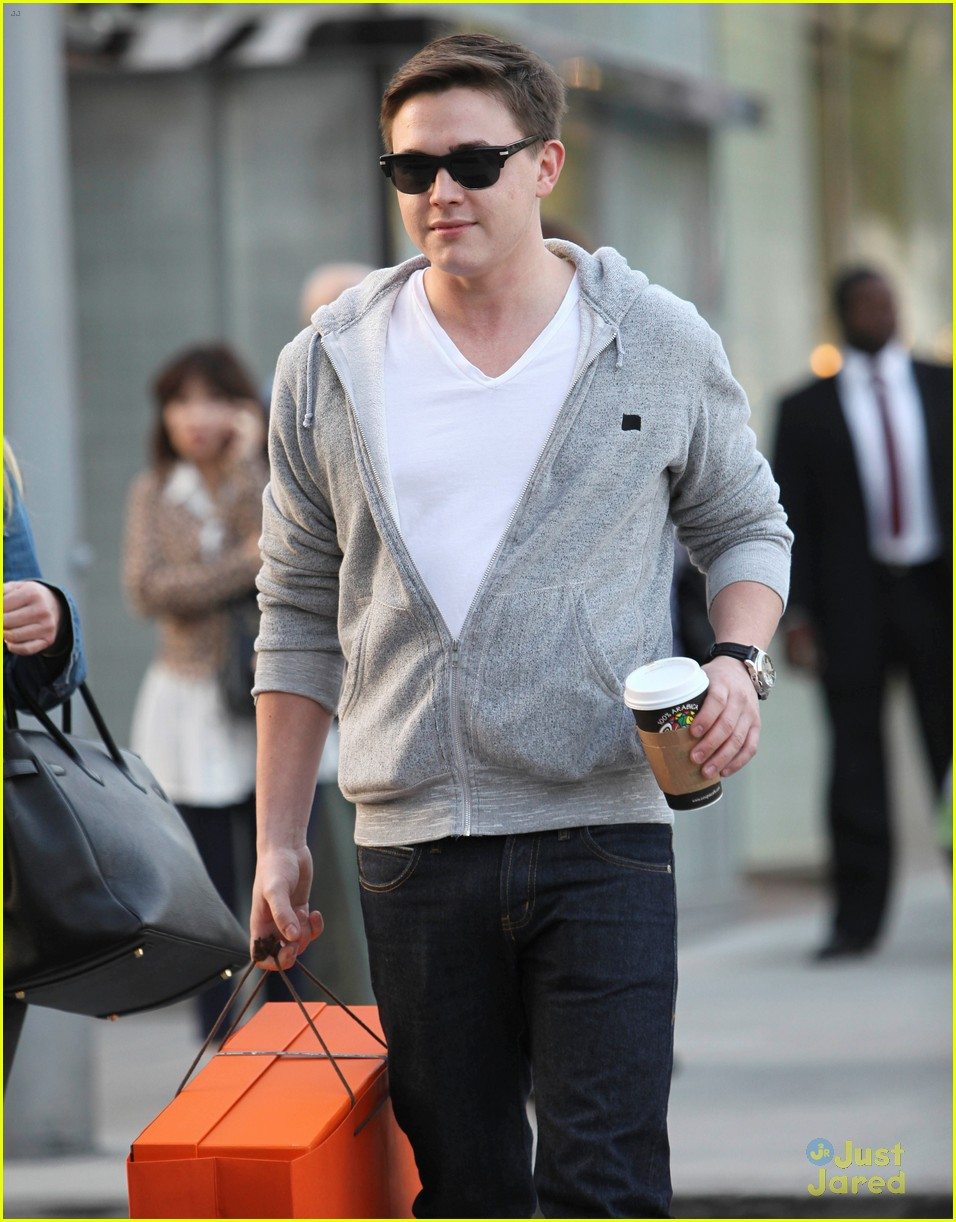 jesse mccartney hermes mom 08
