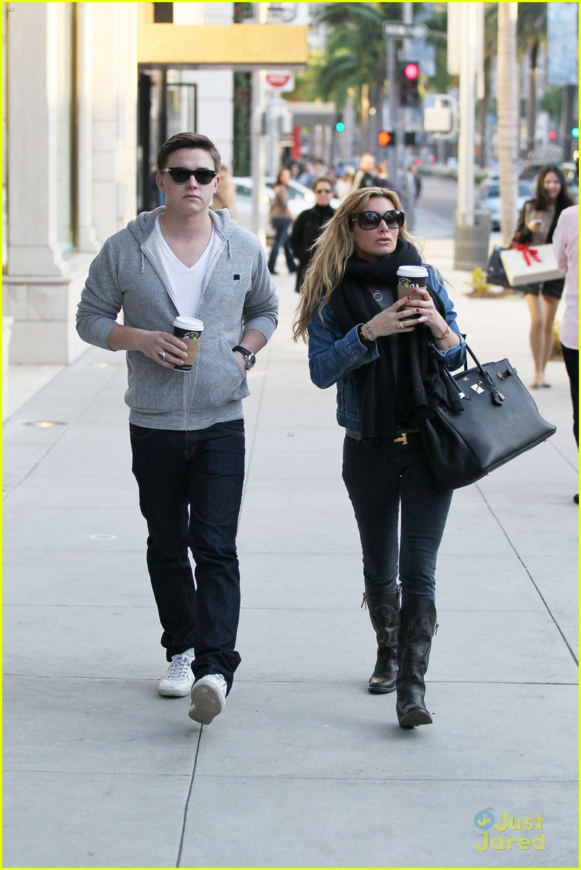 jesse mccartney hermes mom 11