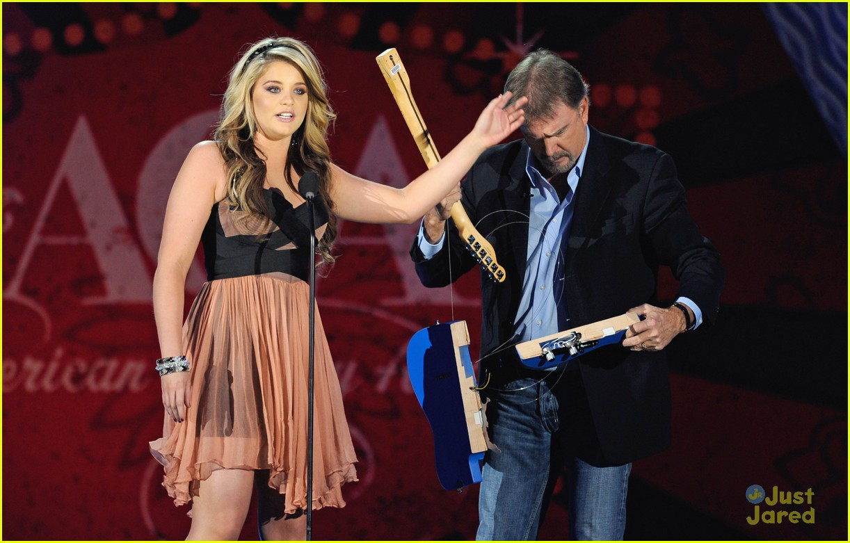 lauren alaina american country awards 02