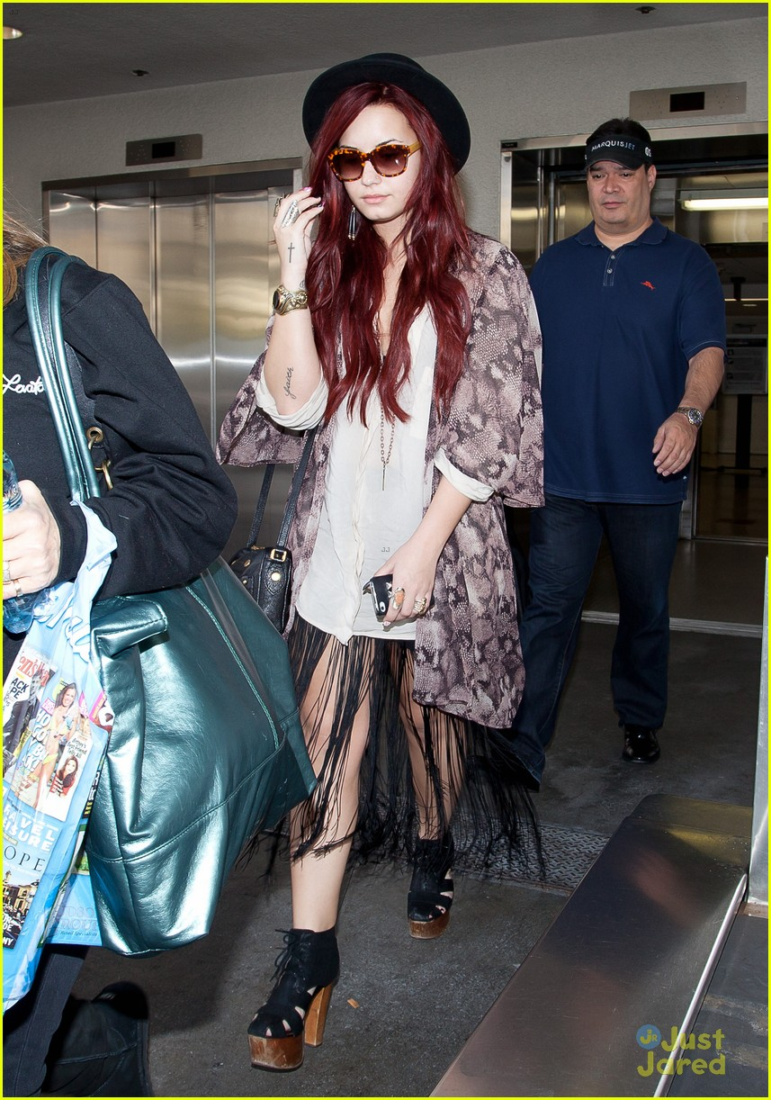 demi lovato back lax 03