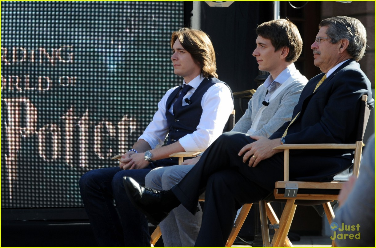 james oliver phelps hogwards hollywood 08