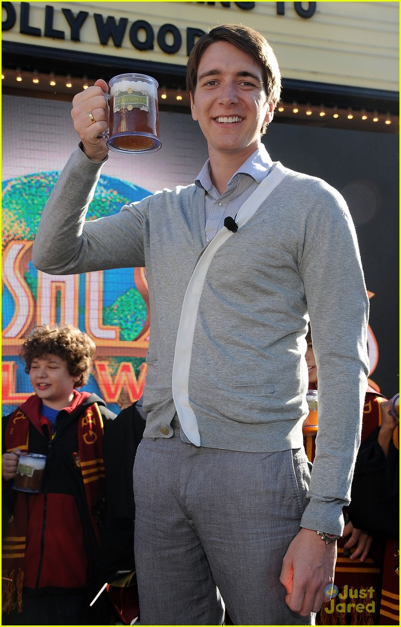 james oliver phelps hogwards hollywood 09