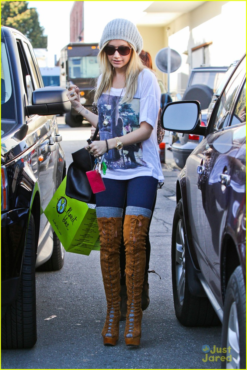 ashley tisdale lace boots shopping 04
