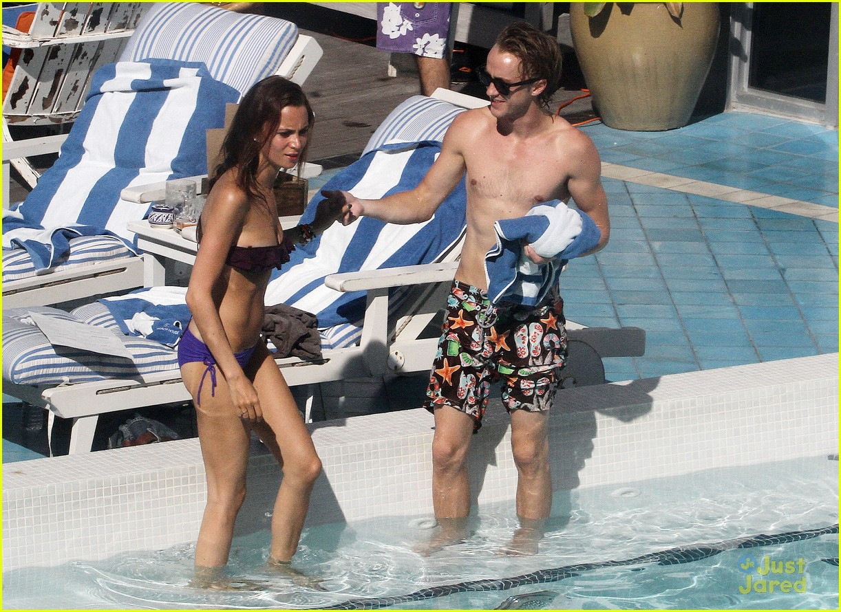 tom felton pool jade olivia 04